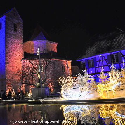 Ottmarsheim, between Mulhouse and Basel presents the only Christmas market where museum shops are gathering.
